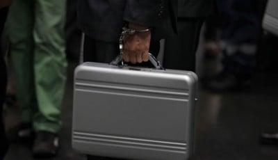hombre del maletín