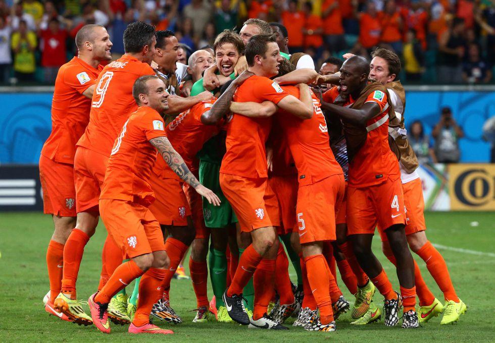 Krul lleva a Holanda a semis