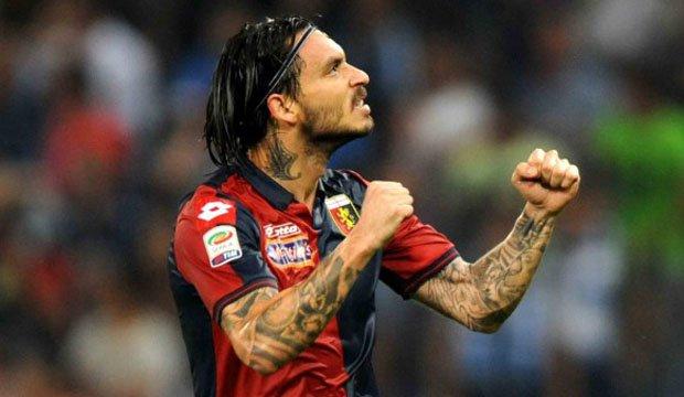 Tres equipos de la Serie A van por Pinilla