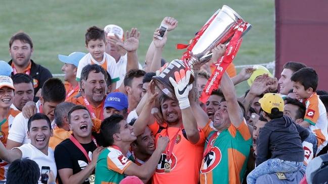Resumen: Cobresal bajó su primera estrella del Torneo de Clausura 2014-2015