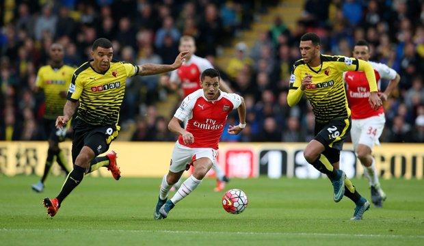 Alexis volvió a marcar en victoria ante Watford
