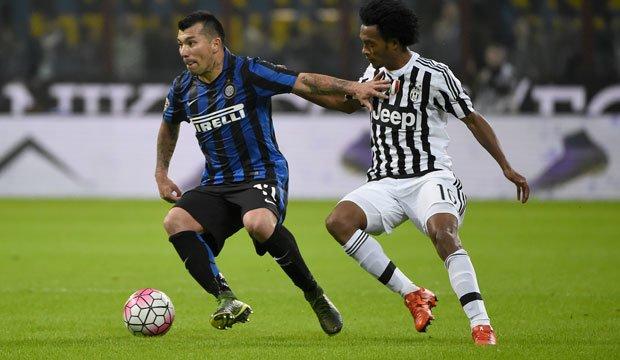 Inter de Milán aplastó a Cagliari en choque de chilenos