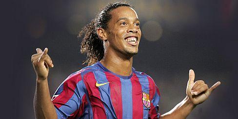 Se niega al retiro: Ronaldinho podría continuar su carrera en el Newcastle