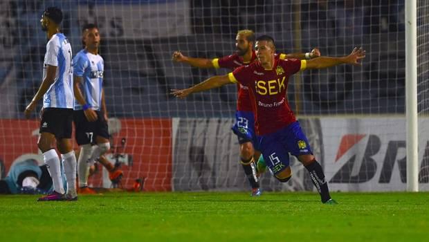 Unión Española logra triunfo en Uruguay ante Cerro por Copa Libertadores