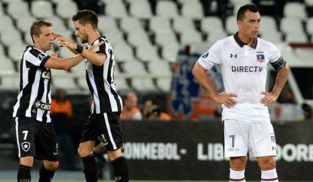 Colo Colo salió con vida de Brasil pese a caer con Botafogo