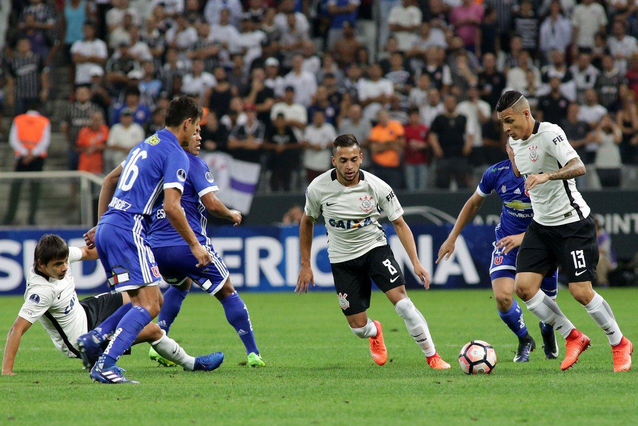 La U puso el juego, pero Corinthians el castigó de los goles