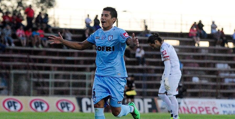 Rafael Caroca está a un paso de ser jugador Azul