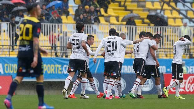 Colo Colo sufrió para vencer a Everton y recuperó el liderato