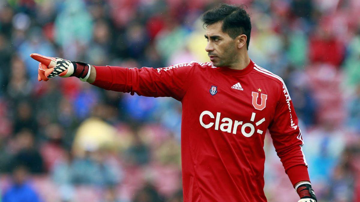 Johnny Herrera se consolida como ídolo y como el más ganador en la historia de la U