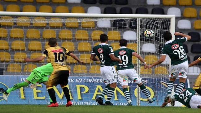 Coquimbo goleó a Wanderers y lo dejó en el fondo de la Primera B